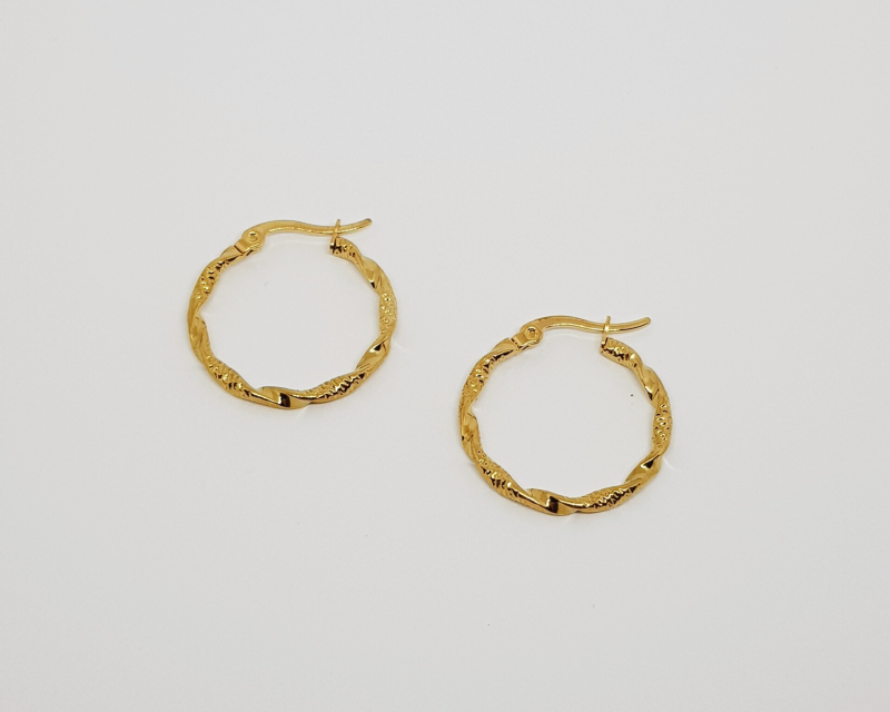 Twisted hoops goud