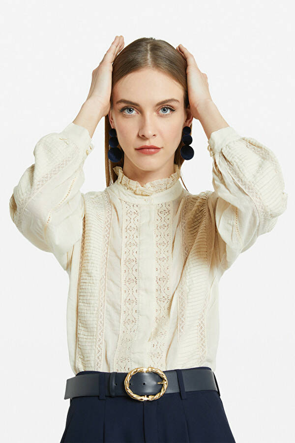 Ottod'Ame  Shirt with embroideries en lades laatste maat 40