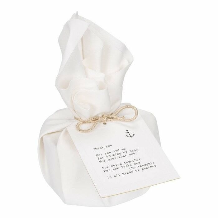 MOMENTS of light - Big gift wrapped Candle 'Moments of Friendship'