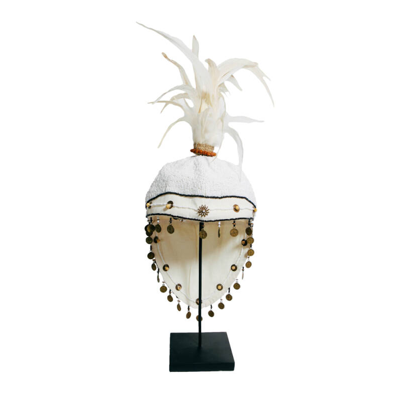 Bazar Bizar - The Fully Beaded Hat on Stand - wit