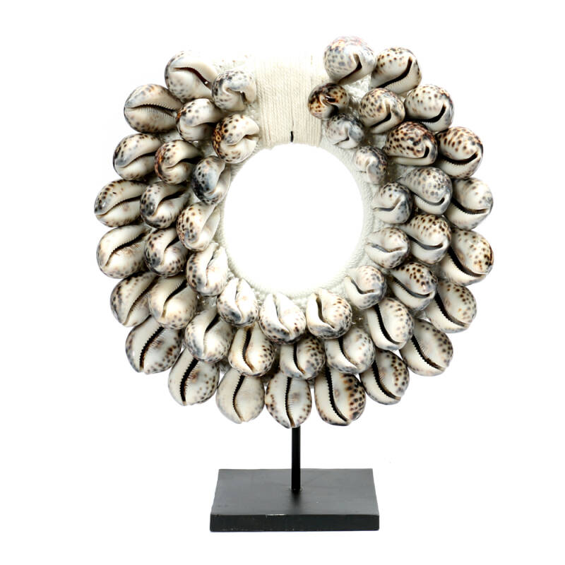 Bazar Bizar - The Tiger Cowrie Necklace on Stand - wit
