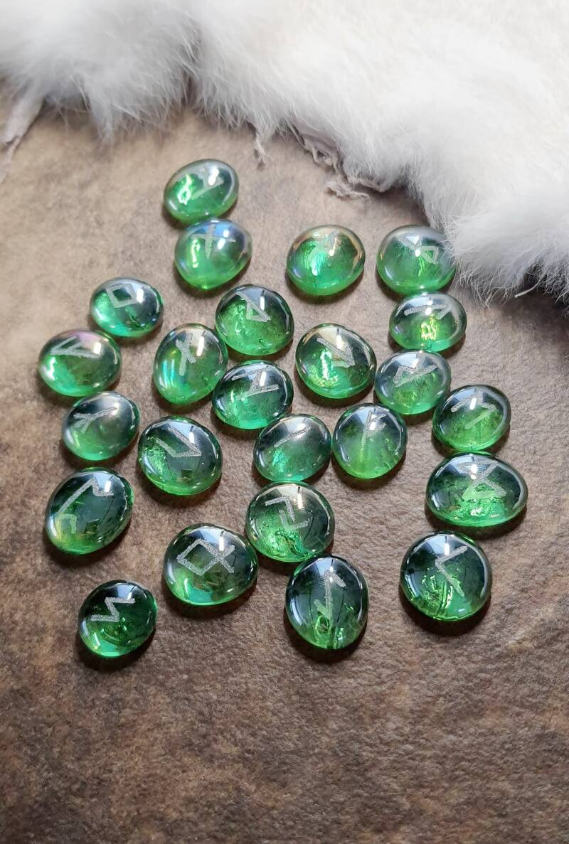 Green Diamond Rune