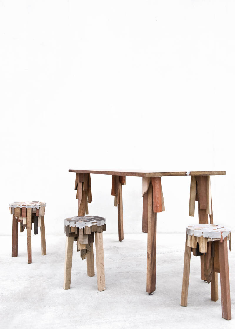 Bits of wood Table