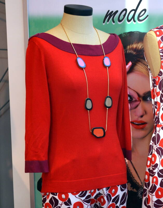 SWEATER BOATNECK - RED TWO-TONE