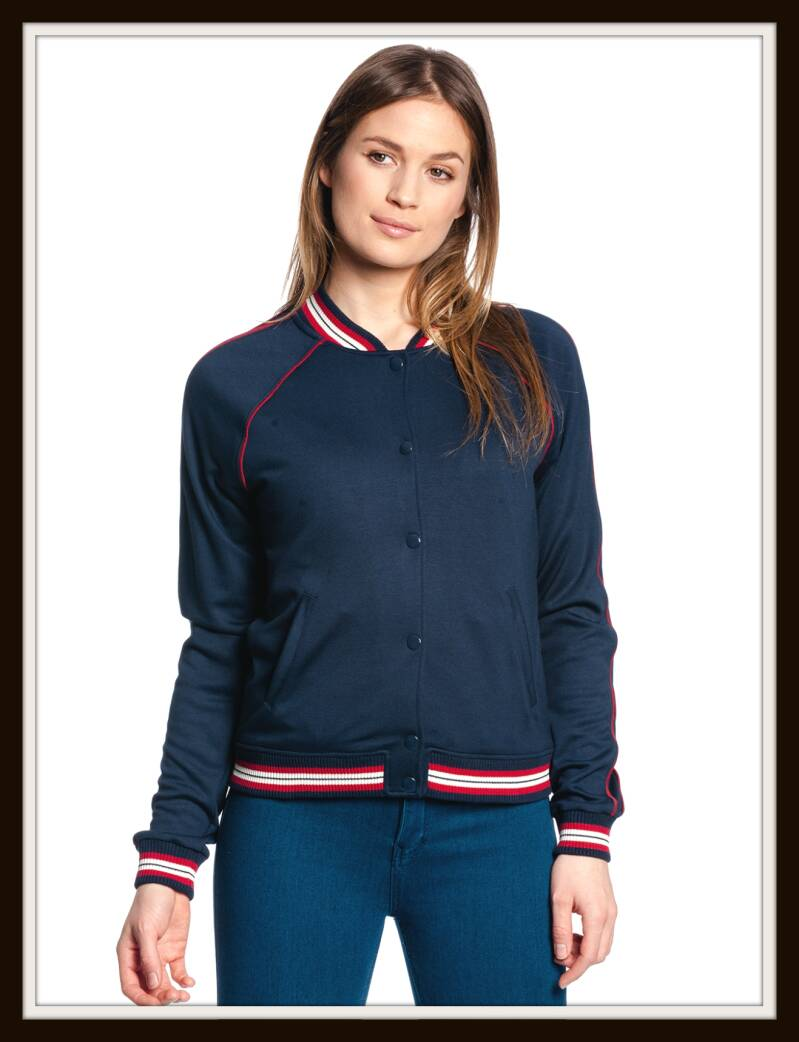 Sporty girl blouson