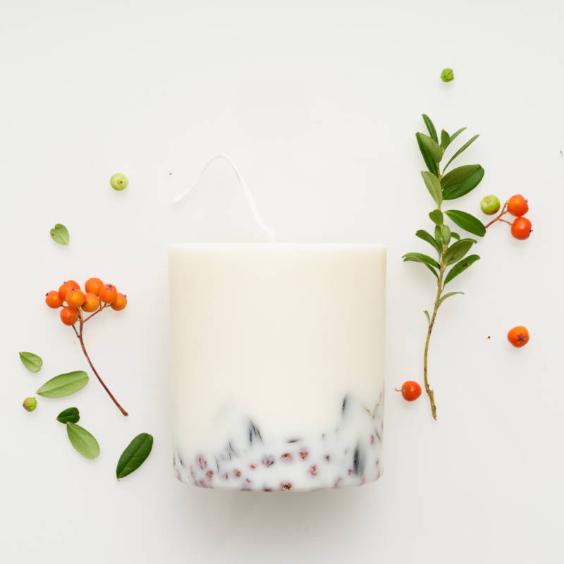 Ashberries & bilberry leaves candle 515 ml