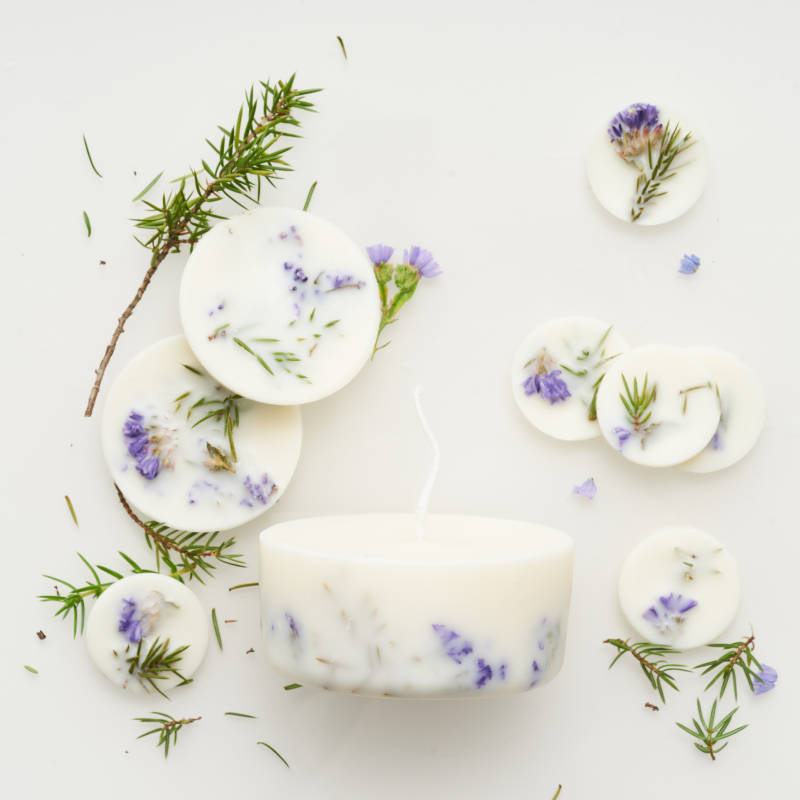 Juniper & limonium scented soy wax rounds