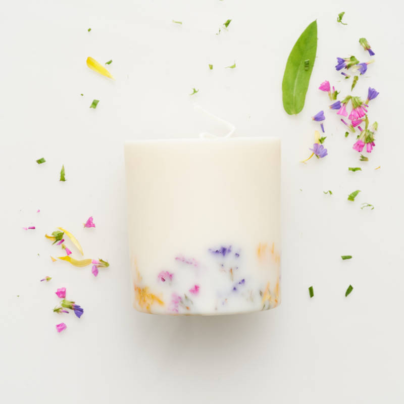 Wildflower candle with the scent of wild roses 515ml