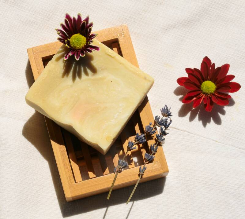 Natural body soap with lavender, lemon grass, turmeric and Scots pine