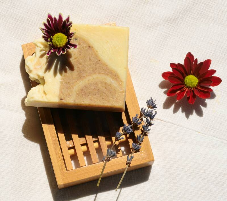 Natural body soap with green tea, lavender and peppermint