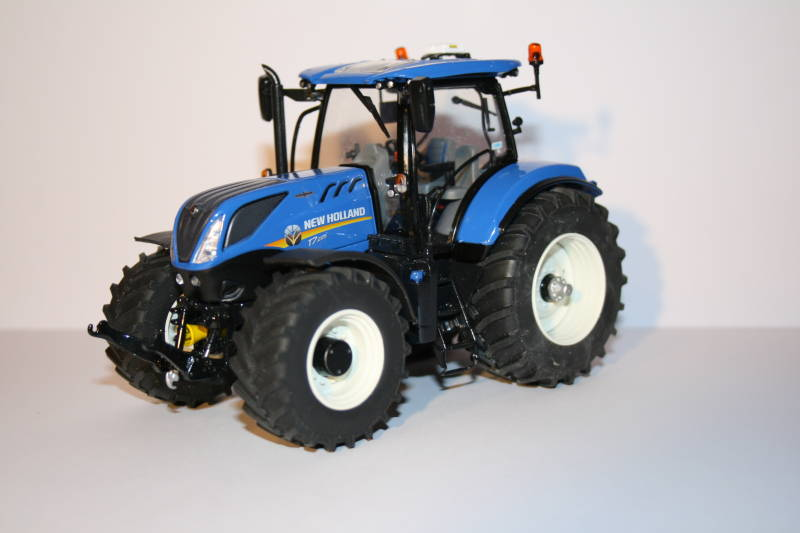 New Holland T7.225 'CM-Edition'