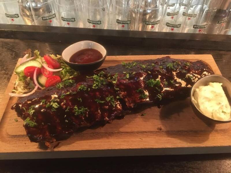 Spare-Ribs hot
