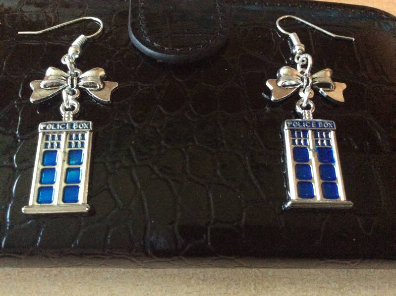 Doctor Who and Tardis 11th Doctor oorhangers earrings