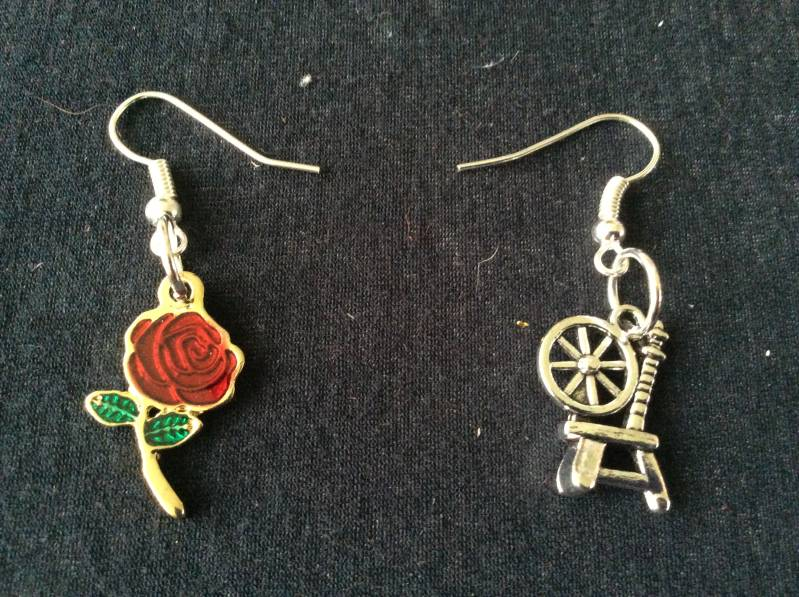 "Once Upon A Time earrings ""Rumbelle"""