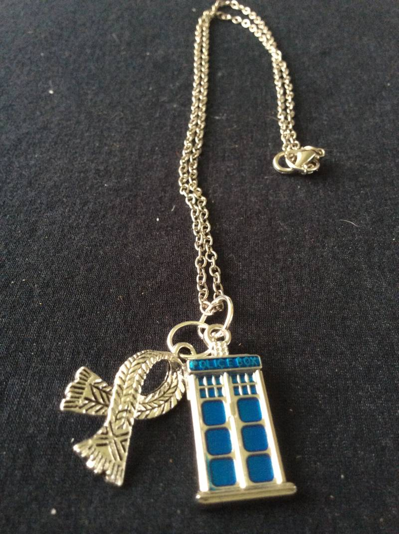 """Doctor Who ketting/necklace """"4th Doctor"""