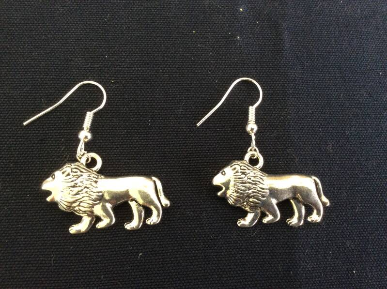 "Oorhangers ""leeuw"" earrings lion"