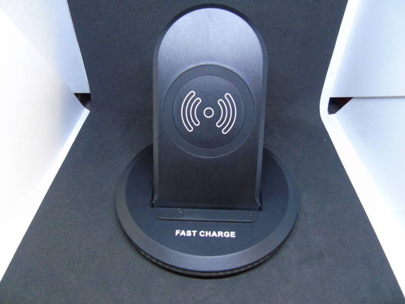 Q1 wireless charging stand 100% RES