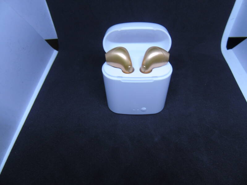 Bluetooth earphone met powerbox (GOLD) 100% RES