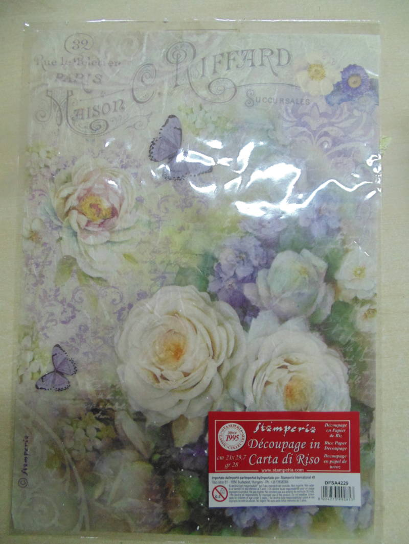 Stamperia rice paper A4 Witte rozen & lila vlinders A4