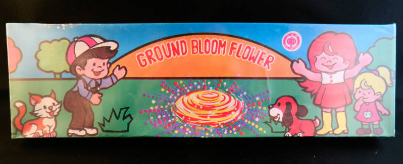 Ground Bloom Flower - Grondbloemen. Met Red Lantern logo.