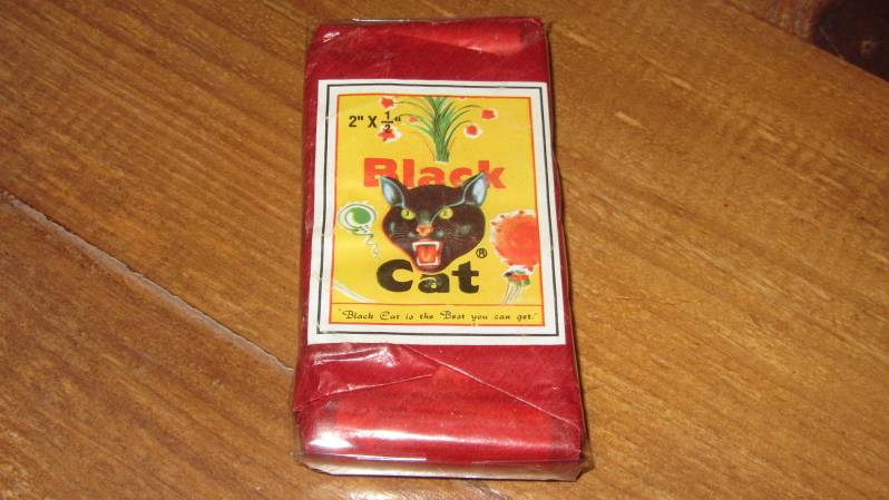 Black Cat China-Cracker voorkant, Fabr: K4/Tiger-Head, Imp: Piepenbrock Pyrotechnik/Feistel, BAM-PII-1190