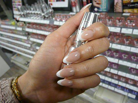 nailcentrechristine-french-manicure-1.jpg