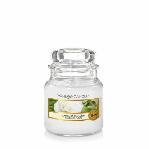 Yankee Candle Small Jar Yankee Candle Camellia Blossom