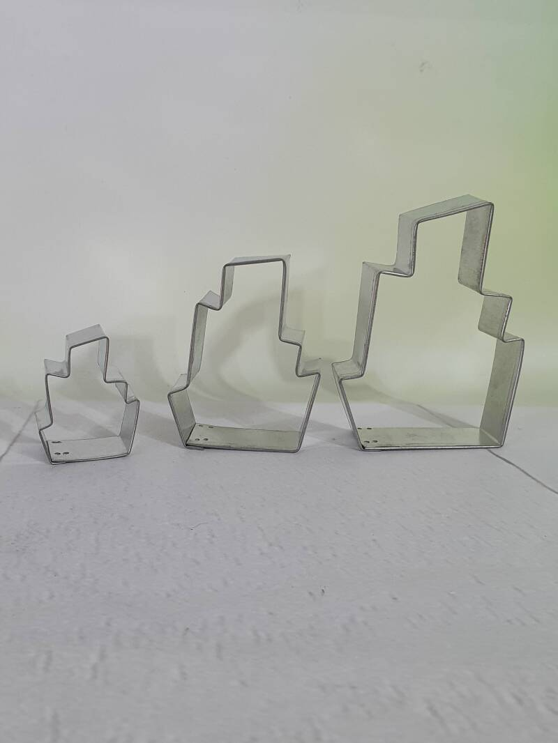 Tipsy turvy taart cookie cutter E29