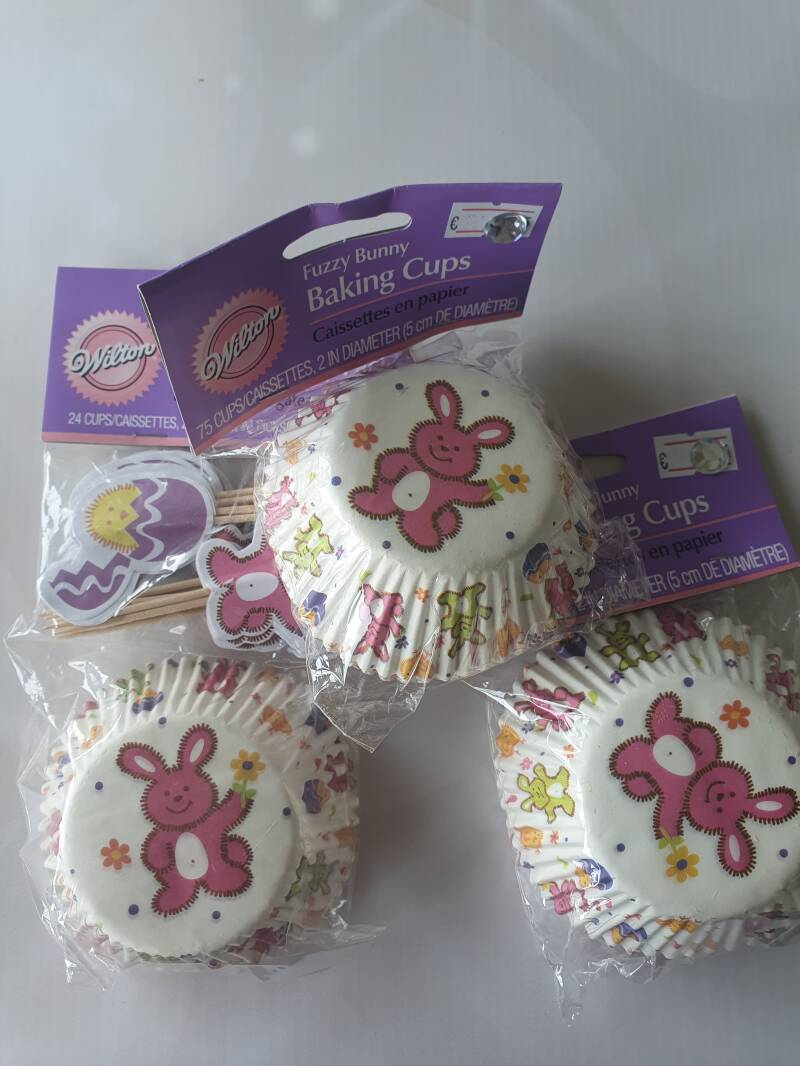 Fuzzy bunny cupcake party packt Hi53