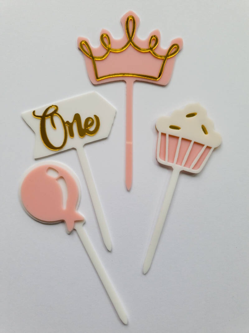 One cake topper set ST31