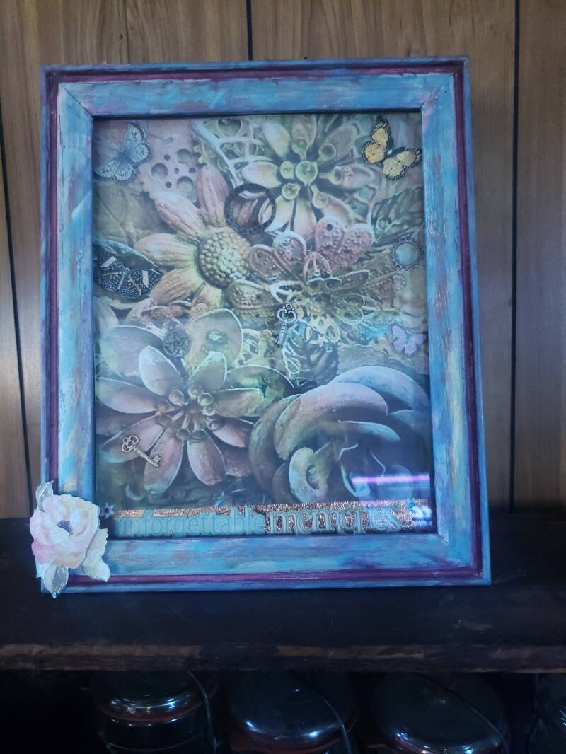 DECORATIVE PICTURE FRAME WITH PICTURE