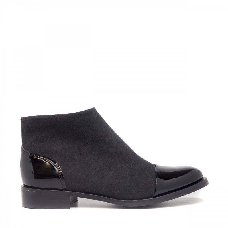 NAE - Lorena Black Ankle Boots With Zipper