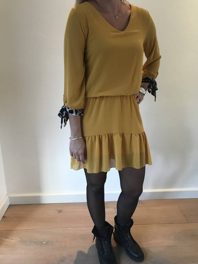 Leo dress yellow