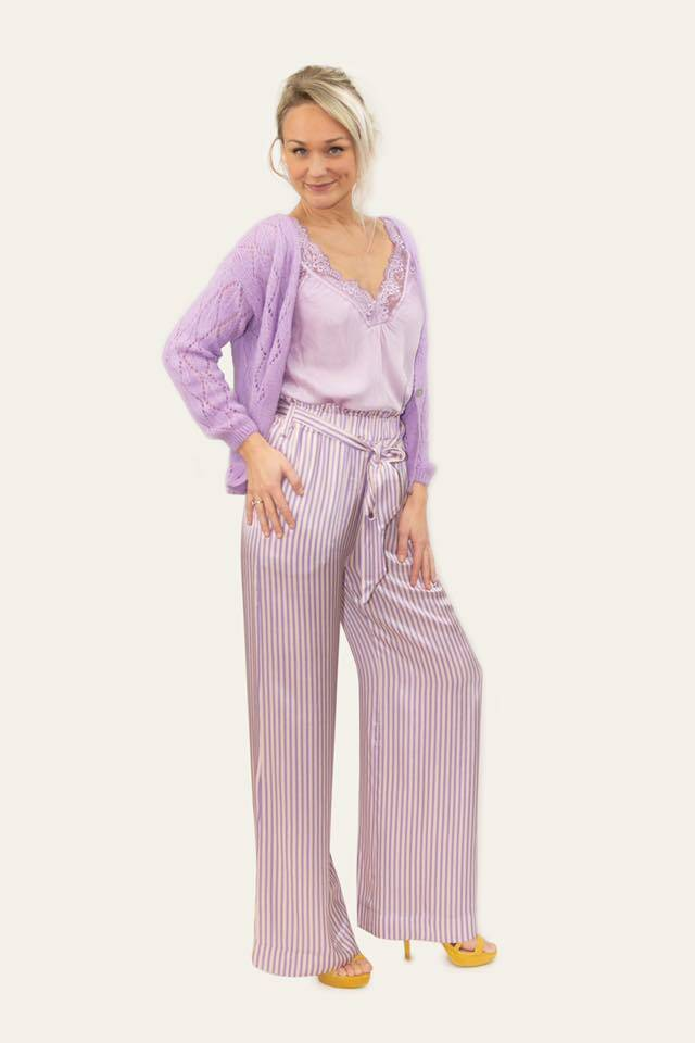 Wide lila satinlook pants
