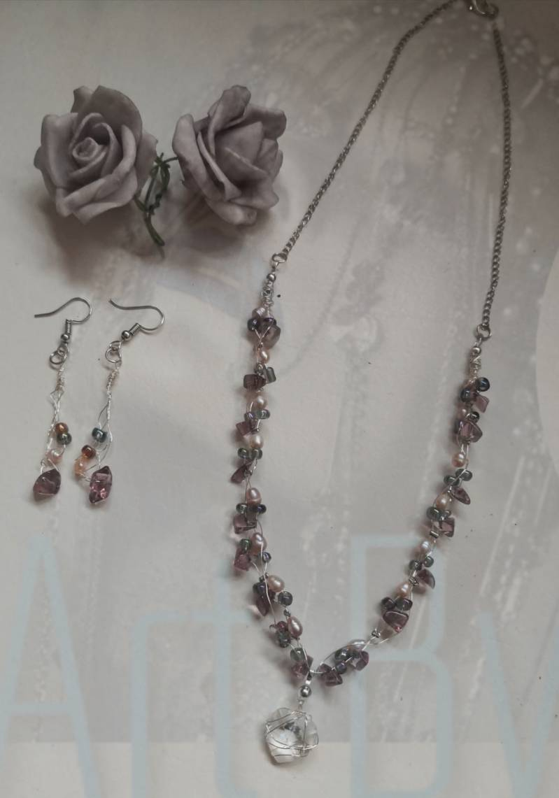 Crystal Pearl Necklace & Earrings Exclusive set