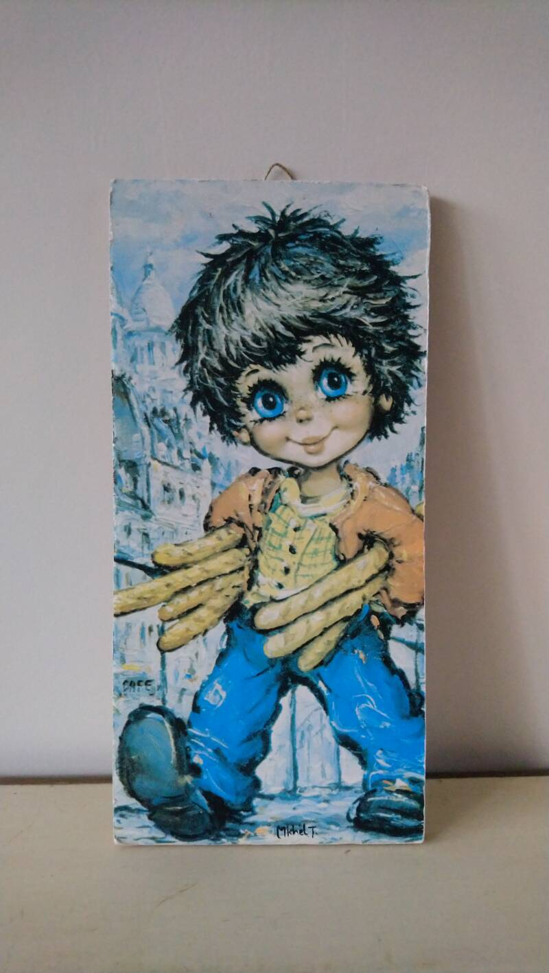 "Vintage prent op hout ""jongen met stokbroden / boy with baguaettes"" Michel T. big eyes print on wood"