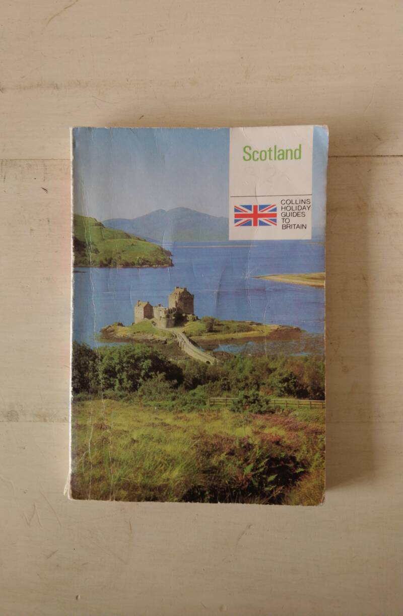 Scotland; Collins Holiday Guides to Britain