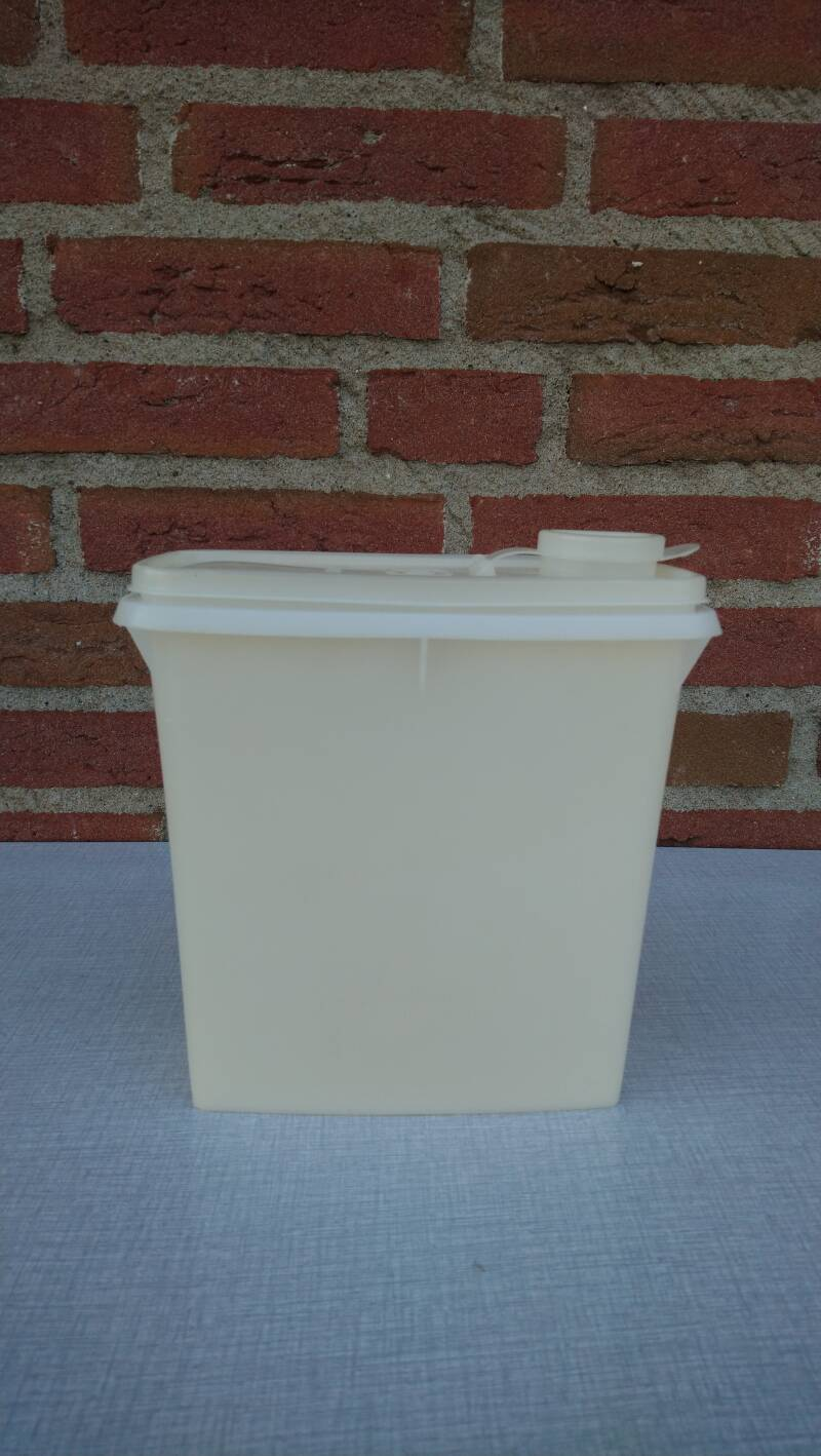Vintage Tupperware voorraadbus / storage container