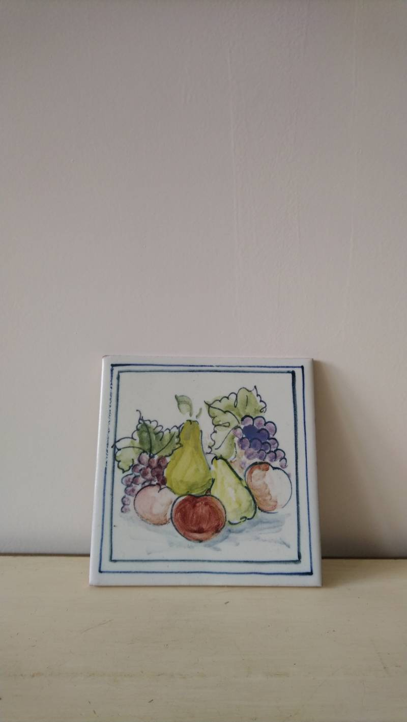Spaanse tegel met fruit afbeelding tile with fruit decoration
