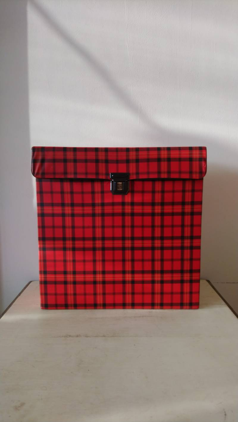 Vintage geruite platenkoffer voor 12 inch vinyl / red checkered record case