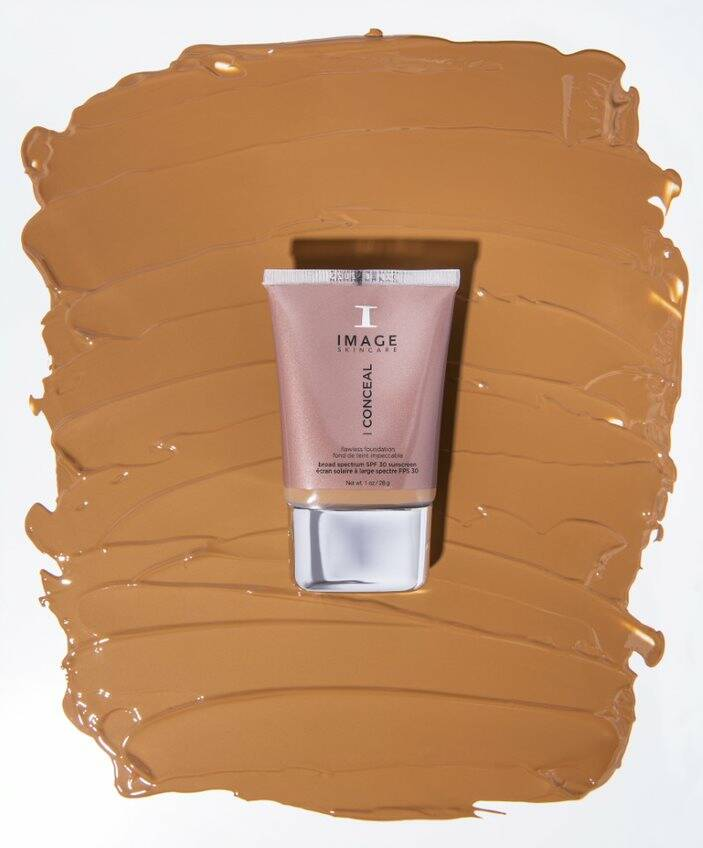 I Conceal Flawless foundation, Deep Honey