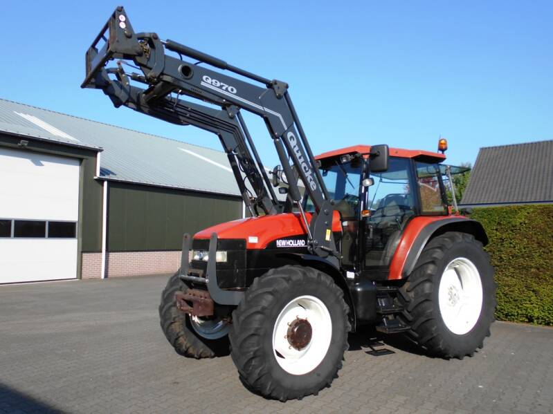 New Holland M100 + frontlader