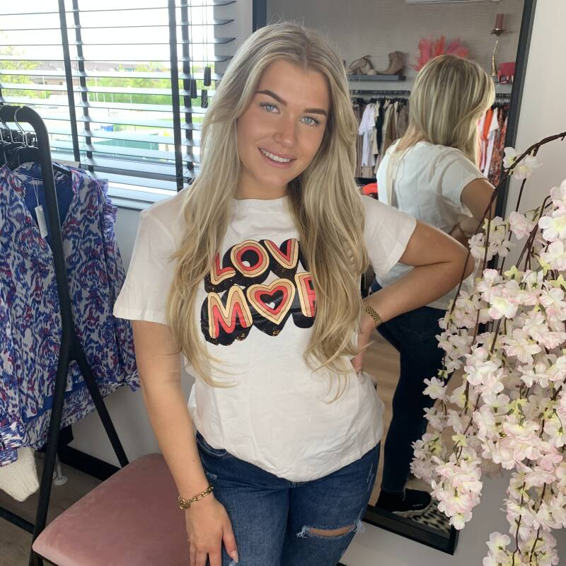 T shirt love more coral