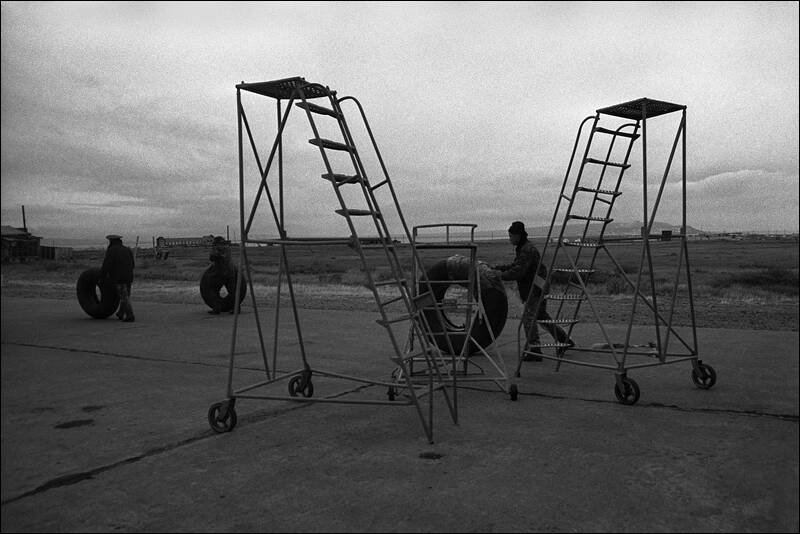 CHUKOTKA - UNLOADING AT THE SITE OF LONG RANGE AVIATION AIRPORT