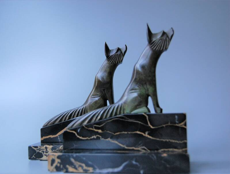 H Payen - Stylized foxes/bookends