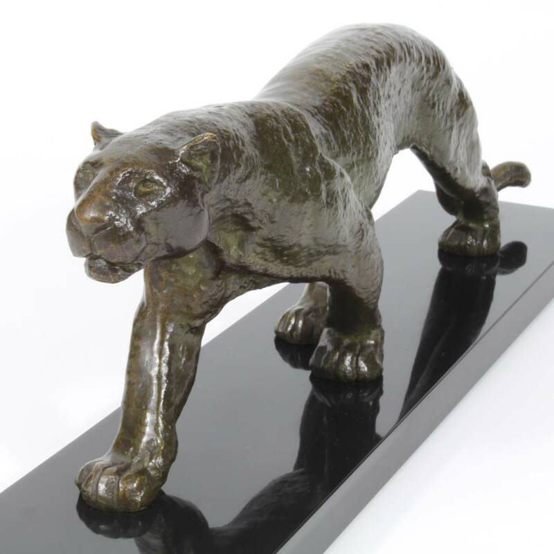 Rulas, bronze sculpture of a panther