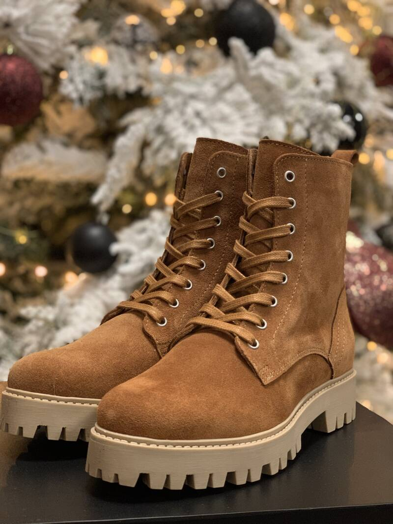 DWRS Stanley Suede