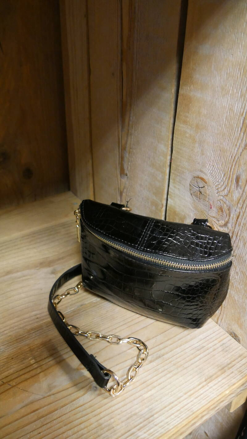 Chain cross bag
