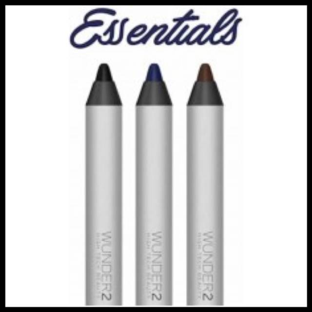 Super-Stay Liner Essential