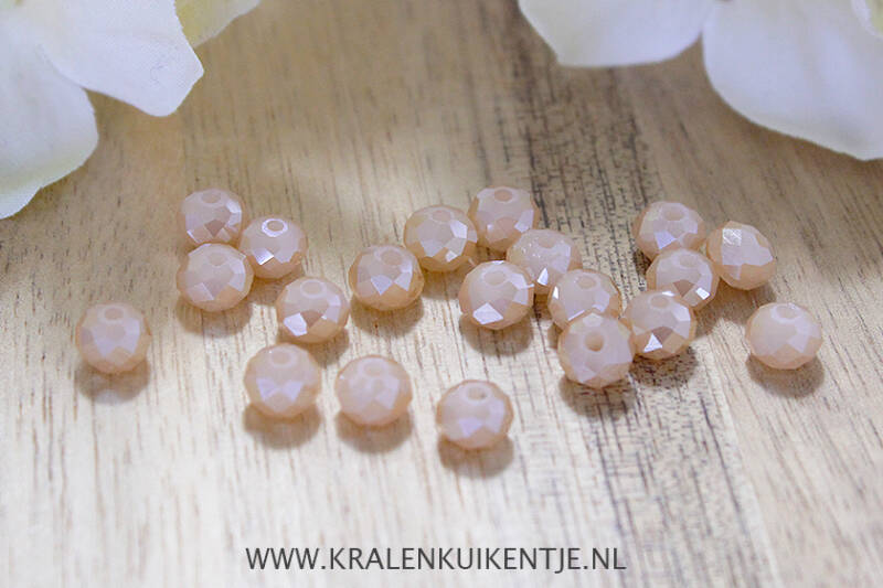 FK090 - Facetkralen cremekleur glans 6mm
